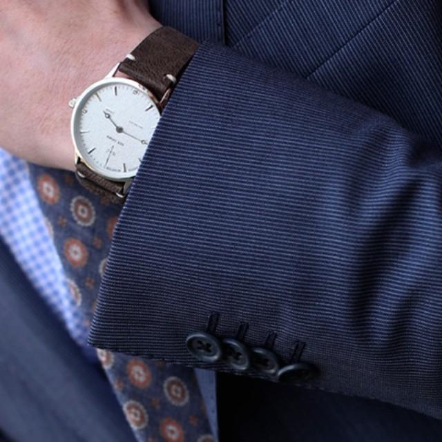 Always on time ⌚ Nilaya Steel fra Nick Cabana hos Kleins Nordre og i nettbutikken! #kleins #kleinsbutikkene #nordre @nickcabanawatches #sundaystyle #watch #mensfashion