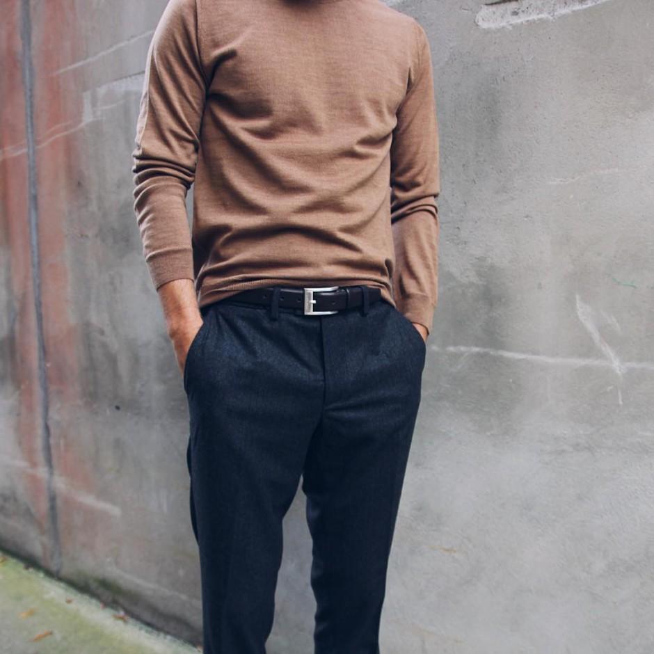 Color of the fall #brown #sweater #oscarjacobson #pants #jlindeberg #shoes #samsøesamsøe #fashion #mensfashion #kleinsbutikkene Kleins.no Kleinsblogg.no