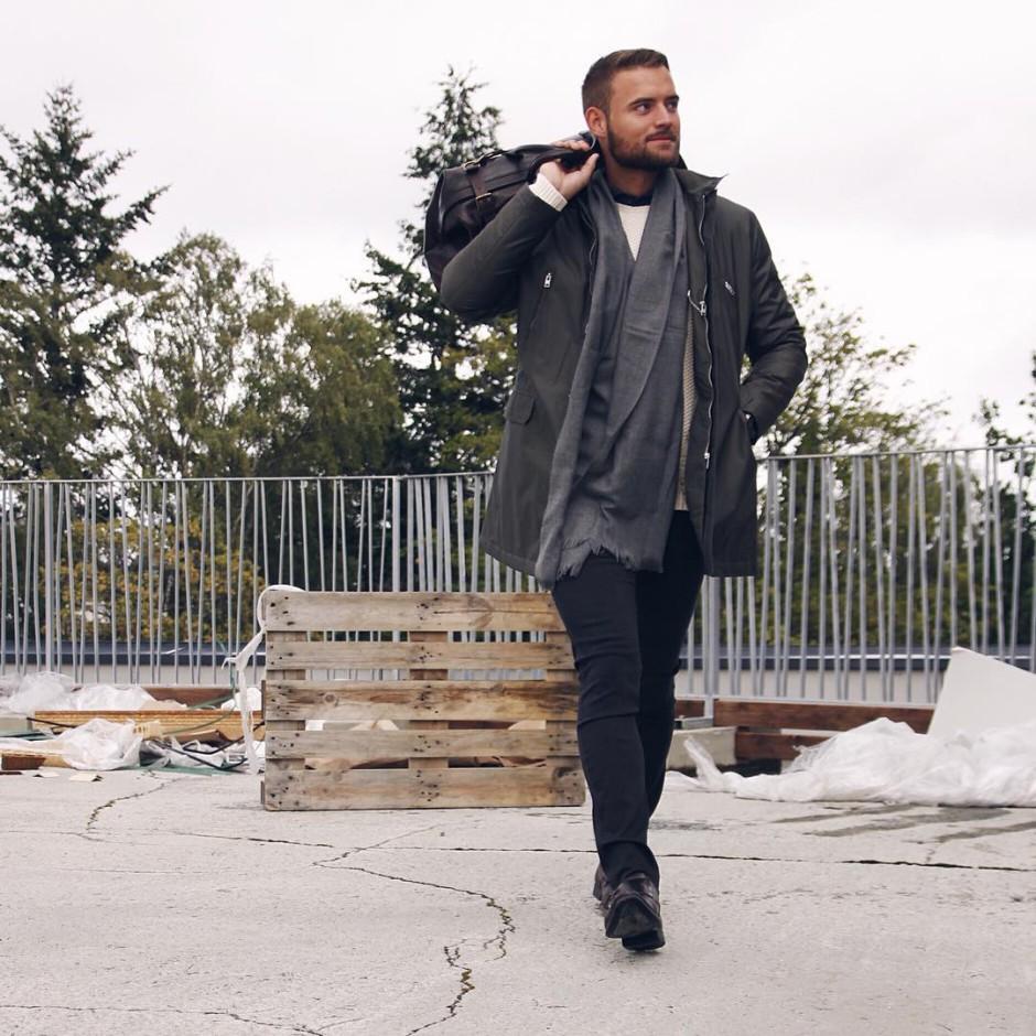 Just in time for fall #jacket #jlindeberg #sweater #gant #shirt #eton #scarf #eton #pants #replay #fashion #men #style #gentleman #kleinsbutikkene #kleinsnordre #kleinssirkus #kleinscitysyd ➰Kleins.blogg➰Kleinsblogg.no